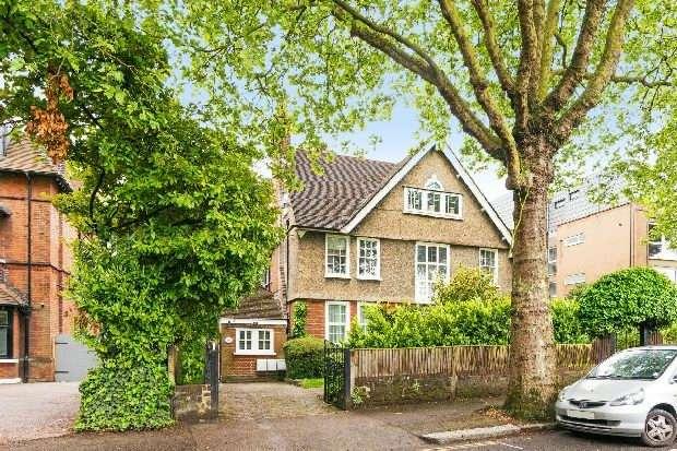 3 Bedrooms Flat for sale in Shepherds Hill, Highgate, N6