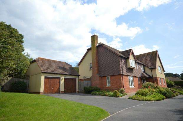 5 Bedrooms Detached House for sale in Gilchrist Way, Sidmouth, Devon