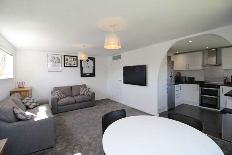 2 Bedrooms Flat for sale in Perry Green, Hemel Hempstead, HP2