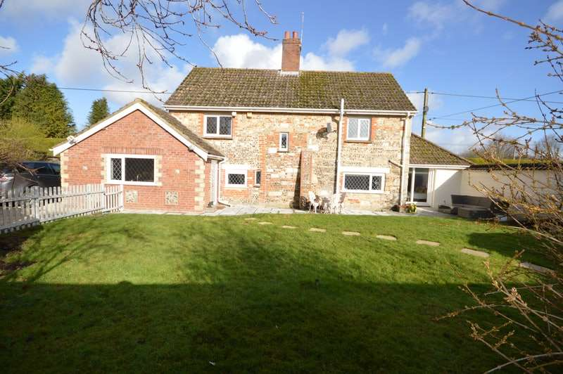 4 Bedrooms Detached House for sale in Maddington Street, Shrewton, Wiltshire, SP3
