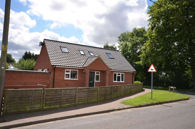 4 Bedrooms Bungalow for sale in Lingwood