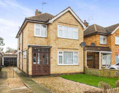 3 Bedrooms Detached House for sale in Somerby Drive, Oadby, Leicester, Leicestershire