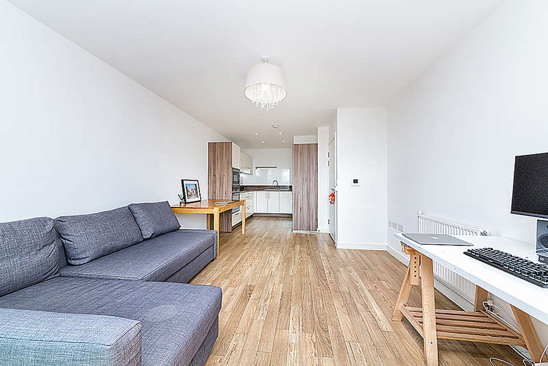 1 Bedroom Apartment Flat for sale in Kingfisher Heights, Bramwell Way, Silvertown, E16