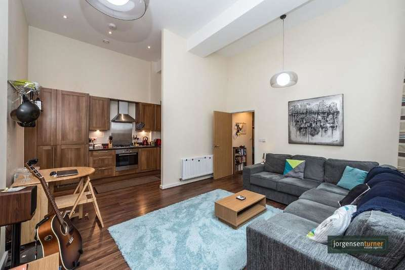 2 Bedrooms Flat for sale in Glengall Road, Kilburn, London, NW6 7FB