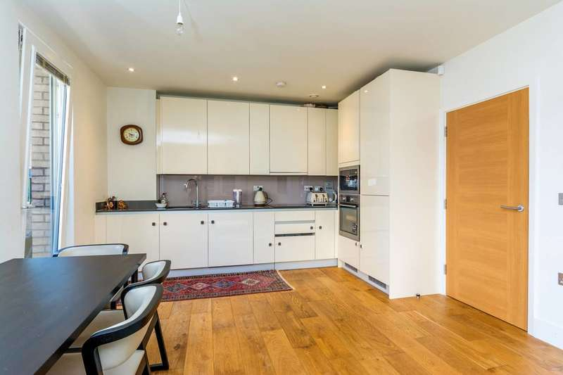 1 Bedroom Flat for sale in Durham Wharf Drive, Brentford, TW8