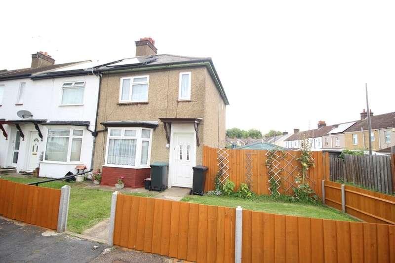 2 Bedrooms Property for sale in Davis Avenue, Northfleet, Gravesend, DA11