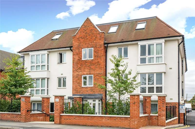 3 Bedrooms Penthouse Flat for sale in Pembroke Road, Ruislip, HA4