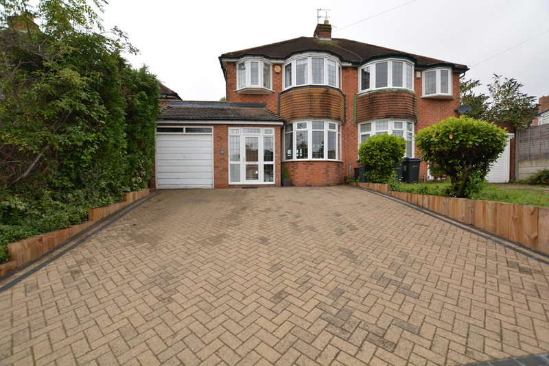 3 Bedrooms Semi Detached House for sale in Tennal Lane, Harborne