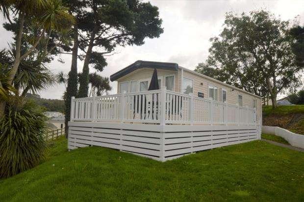 2 Bedrooms Detached Bungalow for sale in Praa Sands, Penzance, Cornwall