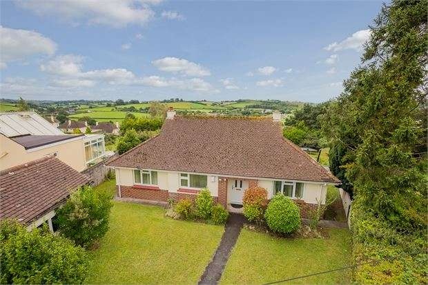 3 Bedrooms Detached Bungalow for sale in Aller Park Road, Aller Park, Newton Abbot, Devon. TQ12 4NH