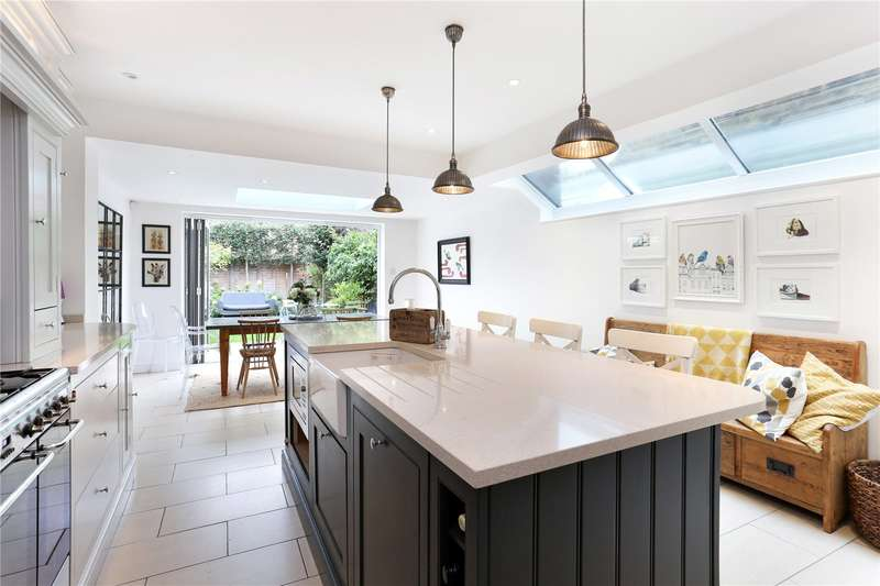 4 Bedrooms Terraced House for sale in Kingswood Road, London, W4