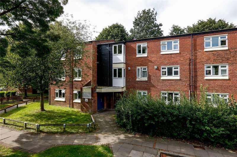 2 Bedrooms Flat for sale in Hawkins Road, Teddington, TW11