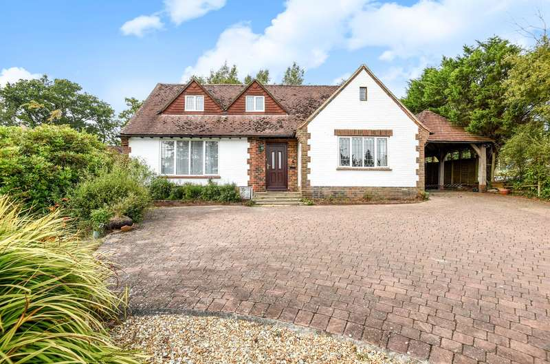 3 Bedrooms Detached Bungalow for sale in Crossways Park, West Chiltington, RH20