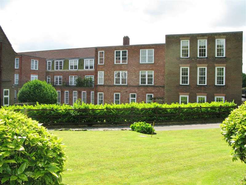 2 Bedrooms Apartment Flat for sale in Hunmanby Hall, Hunmanby