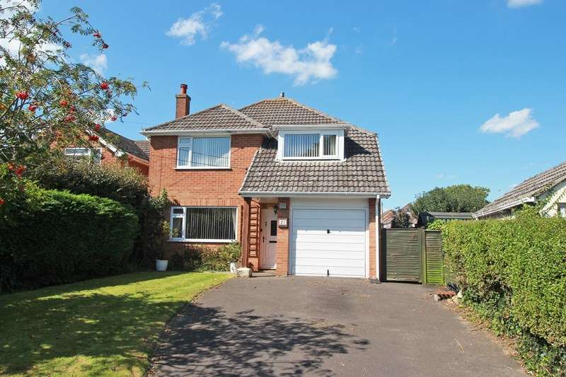 3 Bedrooms Detached House for sale in Old Barn Road, Christchurch