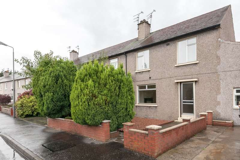 4 Bedrooms End Of Terrace House for sale in Candie crescent, Grangemouth, Stirlingshire, FK3