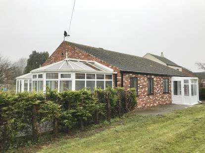 3 Bedrooms Bungalow for sale in New York Road, Dogdyke, Lincoln, Lincolnshire