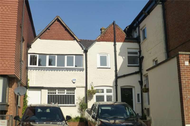 1 Bedroom Flat for sale in High Street, Dorking, Surrey, RH4