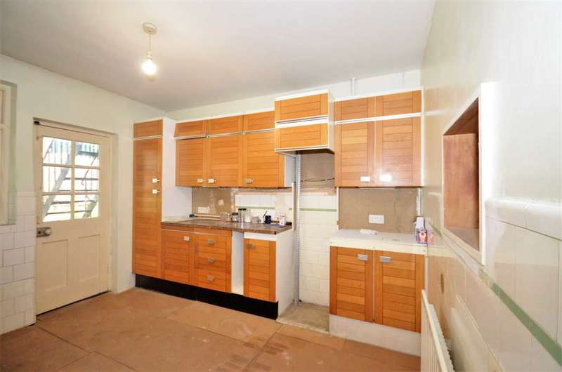 2 Bedrooms Apartment Flat for sale in Cedar Court, Upper Park Road, London