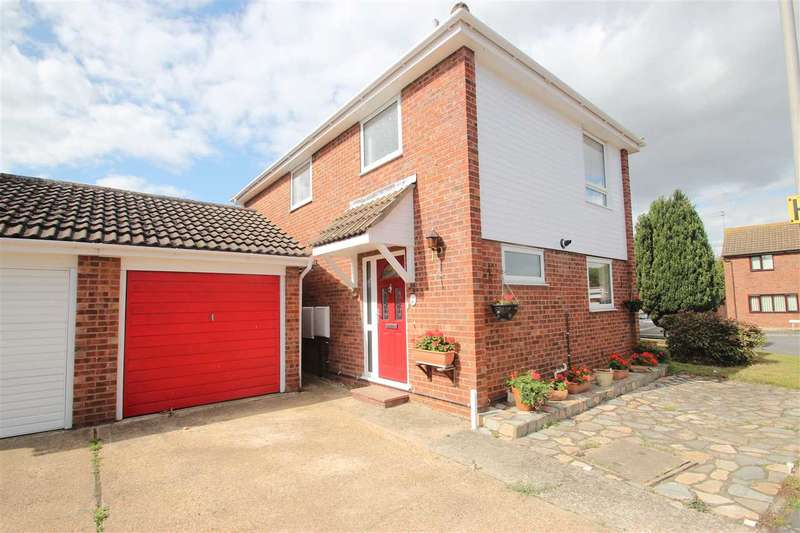 3 Bedrooms Detached House for sale in Reigate Avenue, Clacton-On-Sea