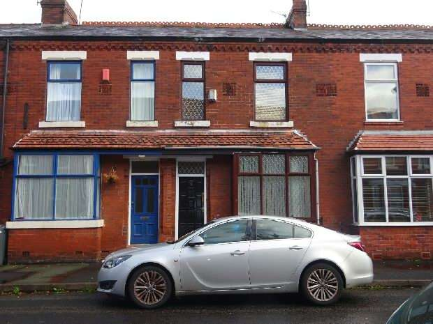 3 Bedrooms Terraced House for sale in Cromwell Avenue, Whalley Range, Manchester