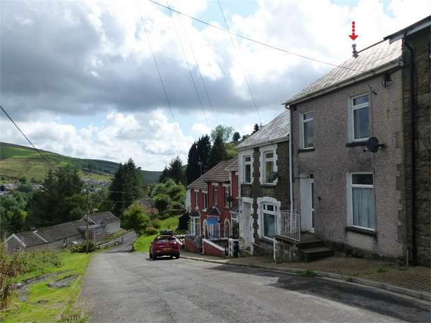 3 Bedrooms Terraced House for sale in Green Hill, Pontycymer, Bridgend, Mid Glamorgan