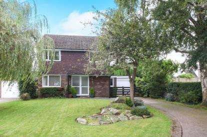 4 Bedrooms Detached House for sale in Highland Way, Knutsford, Cheshire