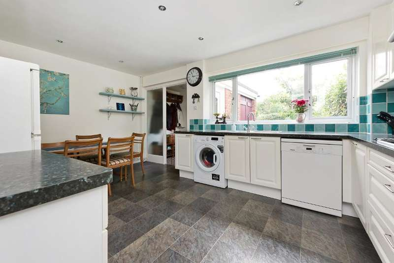 3 Bedrooms House for sale in Frant Close, Penge, London, SE20 8HS