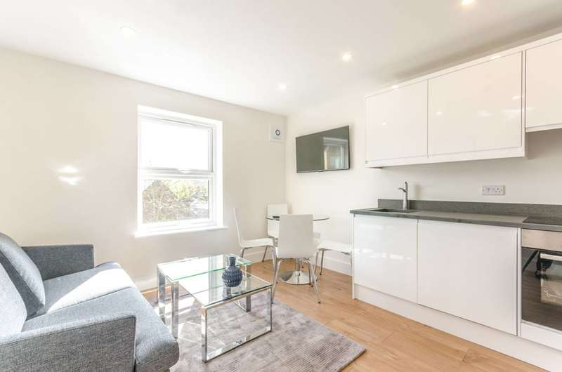 2 Bedrooms Flat for sale in John Rennie Walk, Wapping, E1W