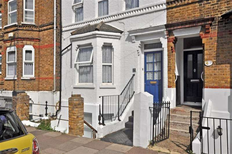 1 Bedroom Flat for sale in Richmond Street, Herne Bay, Kent