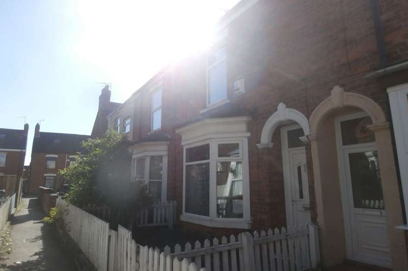 2 Bedrooms Terraced House for sale in Ormington Villas Field Street, Hull, HU9