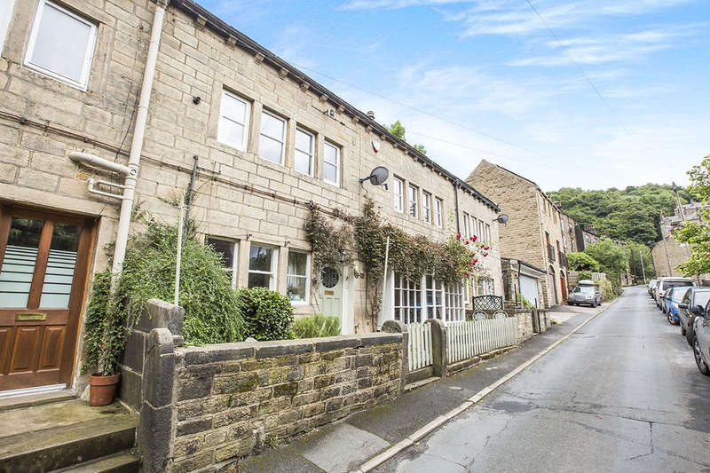 3 Bedrooms Terraced House for sale in Foster Lane, HEBDEN BRIDGE, HX7