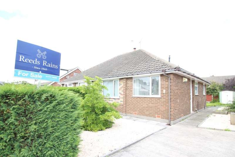 2 Bedrooms Semi Detached Bungalow for sale in Stonefield, Penwortham, Preston, PR1