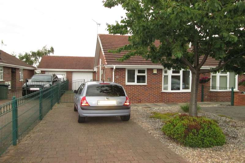 2 Bedrooms Semi Detached Bungalow for sale in York Street, Hemsworth, Pontefract, WF9