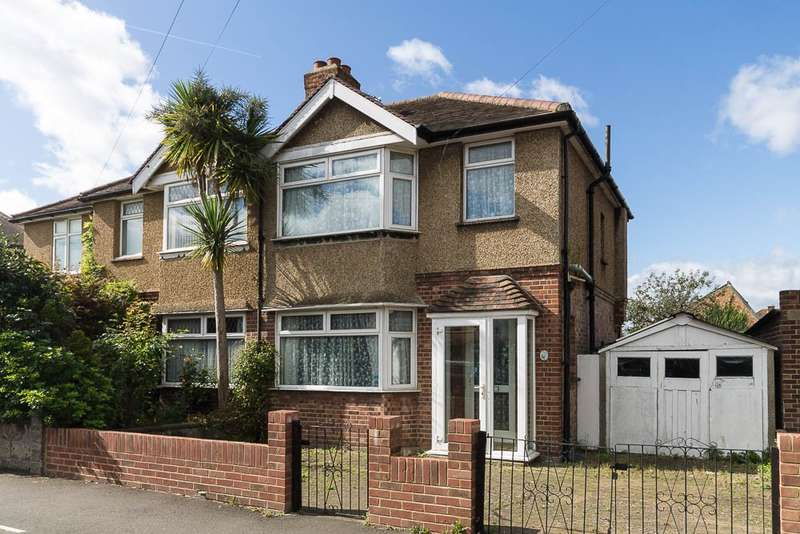 3 Bedrooms Semi Detached House for sale in Sherringham Avenue, Feltham, TW13