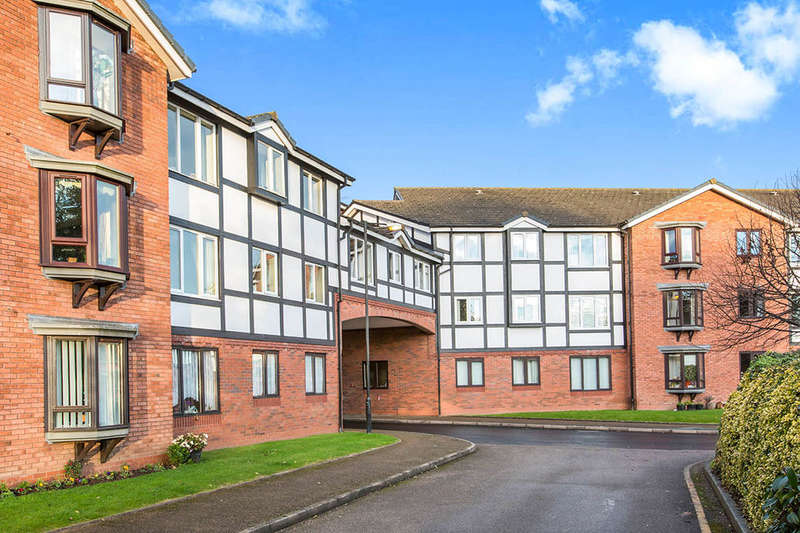 2 Bedrooms Flat for sale in St. Johns Park, Whitchurch, SY13