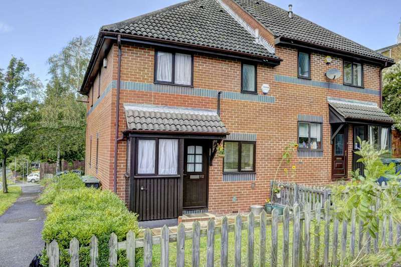 1 Bedroom House for sale in Garratts Way, High Wycombe