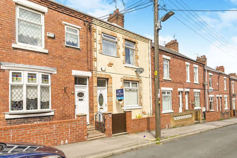 3 Bedrooms Terraced House for sale in Nelson Street, Seaham, SR7