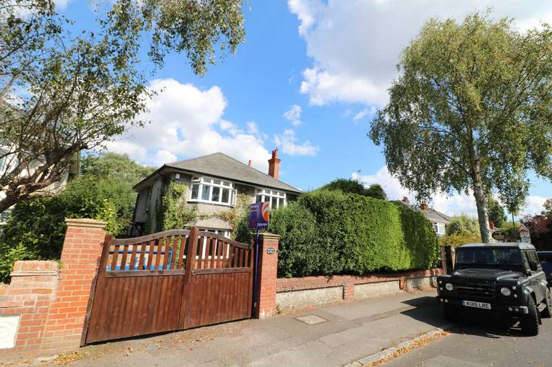 4 Bedrooms Detached House for sale in Albemarle Road, Talbot Woods