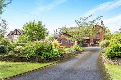 5 Bedrooms Detached House for sale in Lakeside Road, Lymm, Cheshire