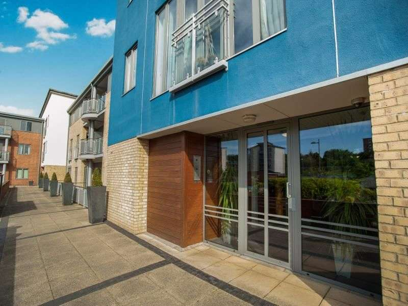 2 Bedrooms Flat for sale in Fairway Court Fletcher Road, Gateshead, NE8