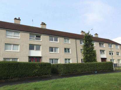 2 Bedrooms Flat for sale in Gleniffer Crescent, Elderslie, Johnstone, Renfrewshire