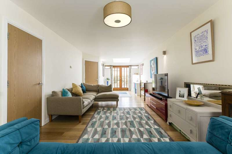 3 Bedrooms Terraced House for sale in Stocks Close, Hildenborough