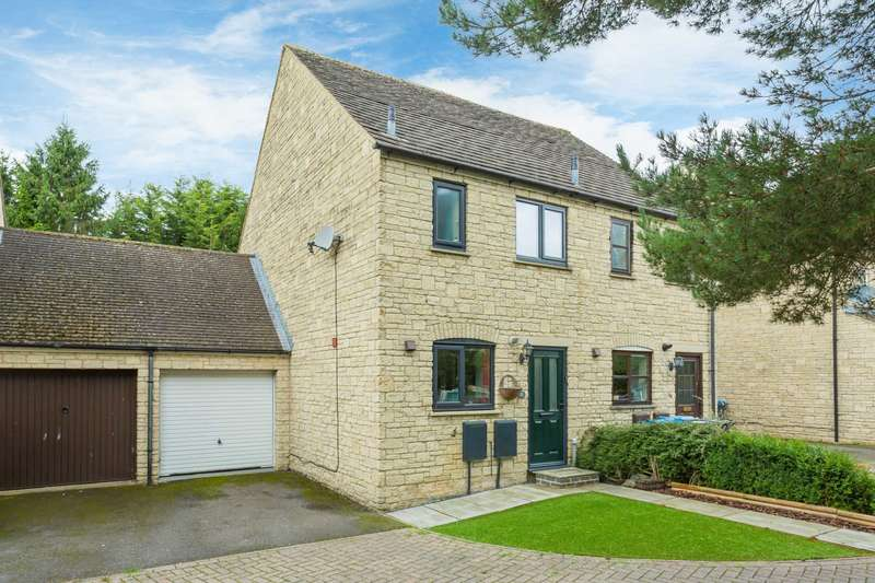 2 Bedrooms Semi Detached House for sale in Stow Avenue, Witney