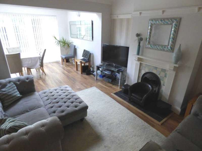 4 Bedrooms Semi Detached House for sale in Montrose Ave, Luton