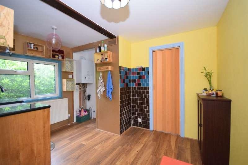1 Bedroom Mobile Home for sale in Lyne Lane, Lyne, Chertsey, Surrey, KT16