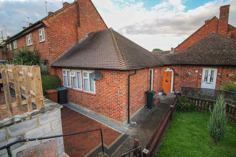 1 Bedroom Bungalow for sale in Gosforth Lane, South Oxhey