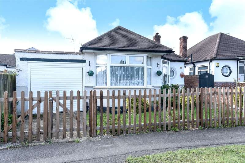 3 Bedrooms Detached Bungalow for sale in Bourne Avenue, Ruislip, Middlesex, HA4