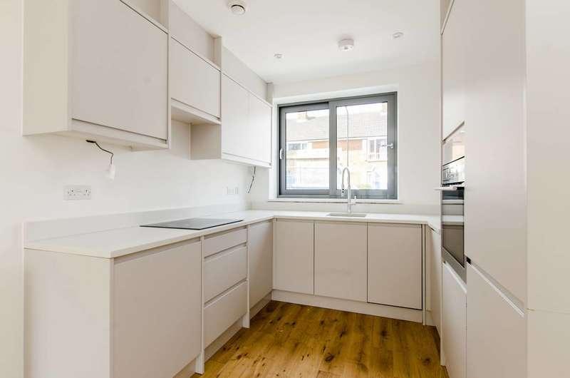 3 Bedrooms Flat for sale in Radbourne Road, Balham, SW12