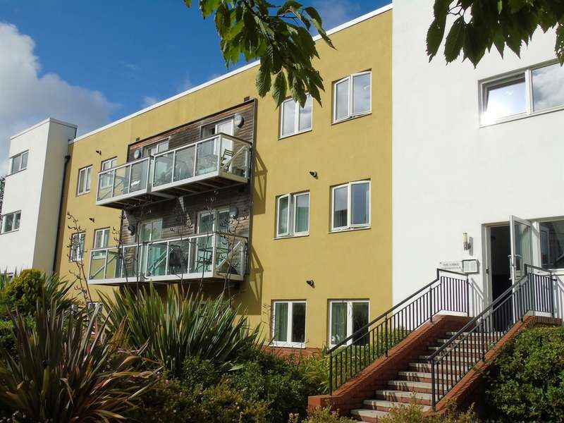 2 Bedrooms Apartment Flat for sale in Paget Road, Penarth